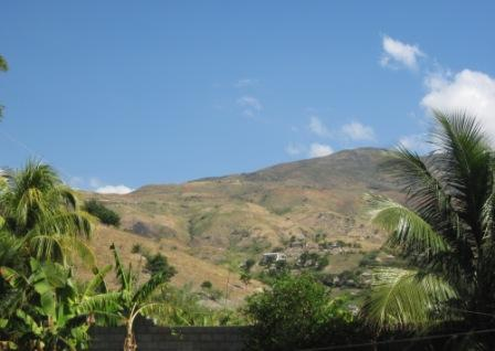 montagnes_mtrouis_ciel_bleu